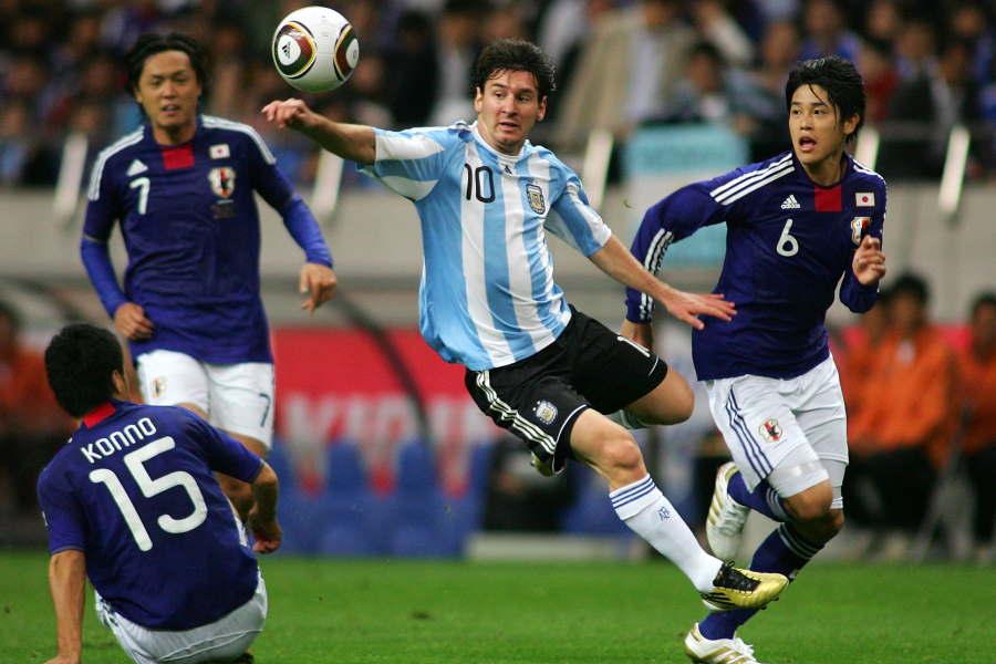 2010年に対戦した当時のアルゼンチン代表FWリオネル・メッシ【写真:Getty Images】