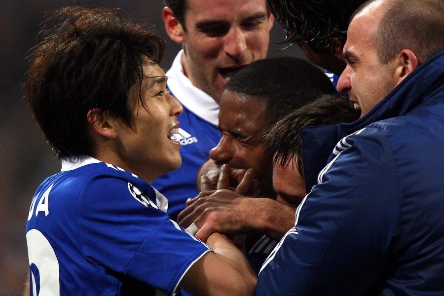 シャルケ時代、CLバレンシア戦で喜ぶ内田篤人【写真:Getty Images】