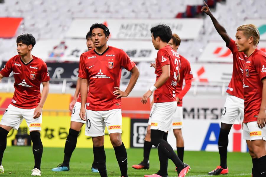 浦和は首位の川崎に3失点で完敗【写真:小林 靖】