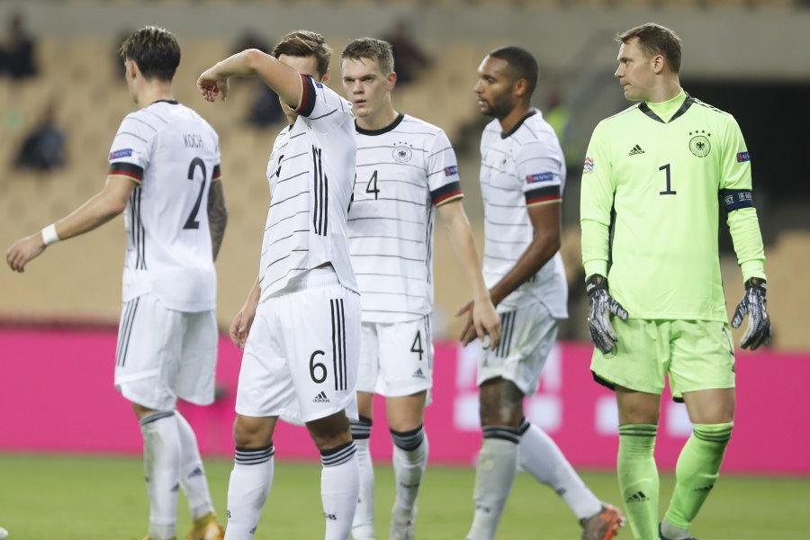 6失点のドイツ代表【写真:AP】