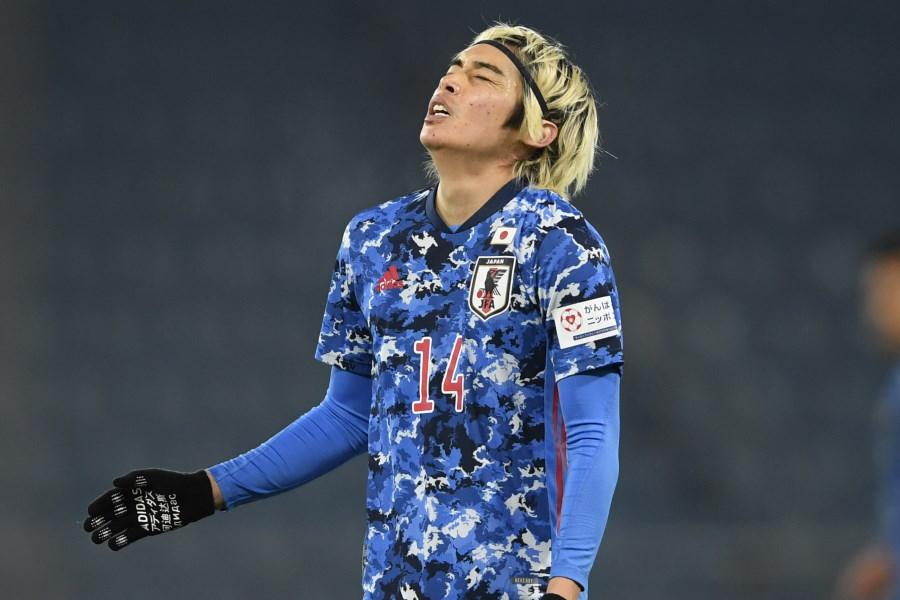 悔しがる日本代表MF伊藤純也【写真:AP】