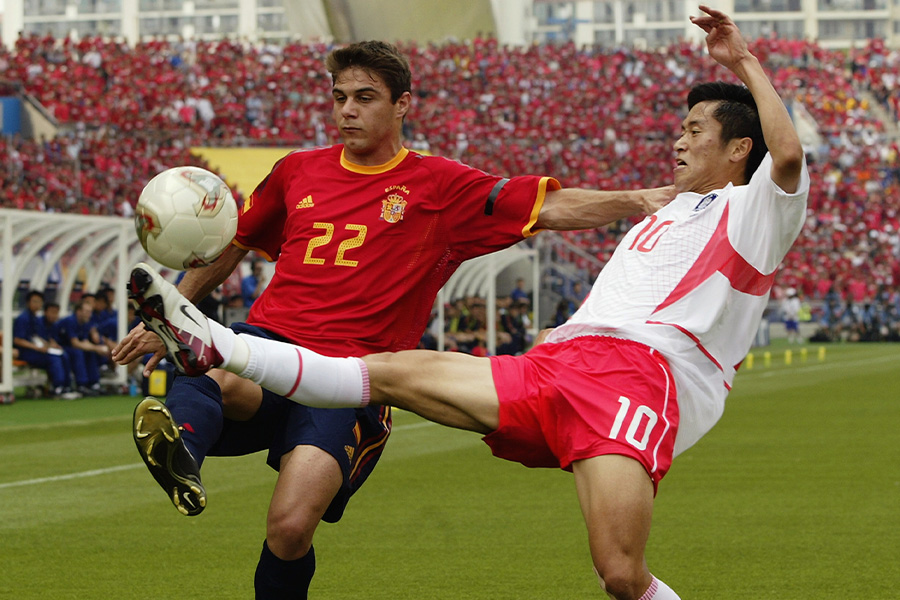 2002年のワールドカップでスペインと韓国が対戦【写真:Getty Images】