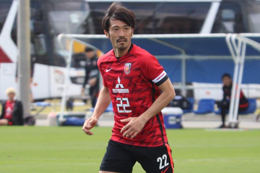 新シーズンでチームキャプテンを務める浦和MF阿部勇樹【写真:轡田哲朗】