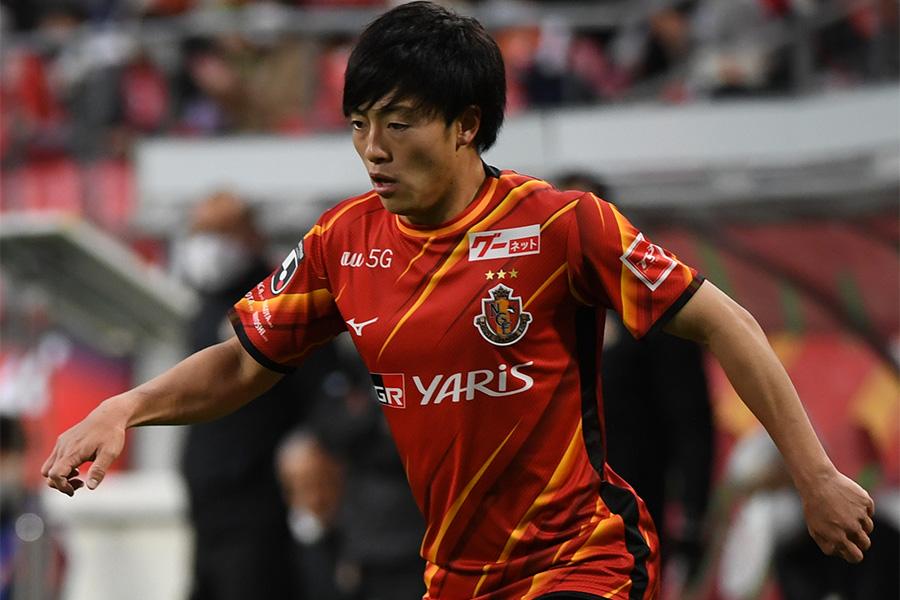 名古屋グランパスでプレーするMF相馬勇紀【写真:Getty Images】