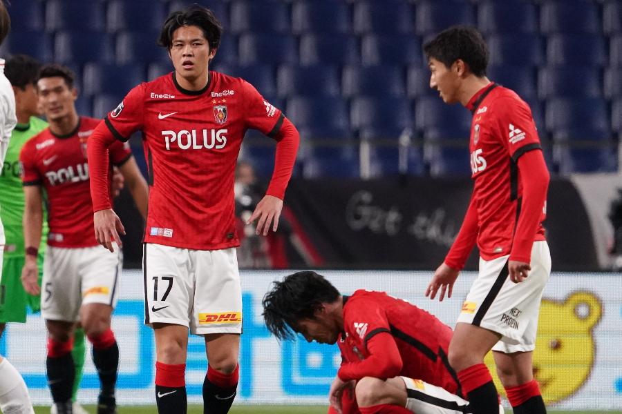 浦和はホームで5失点の大敗を喫した【写真:Getty Images】