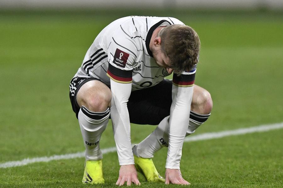 ドイツ代表FWヴェルナーが落ち込む様子【写真:AP】