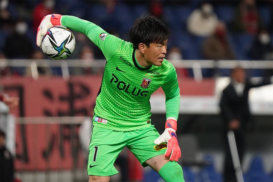 浦和レッズでプレーするGK西川周作の正確なキックに注目【写真:Getty Images】