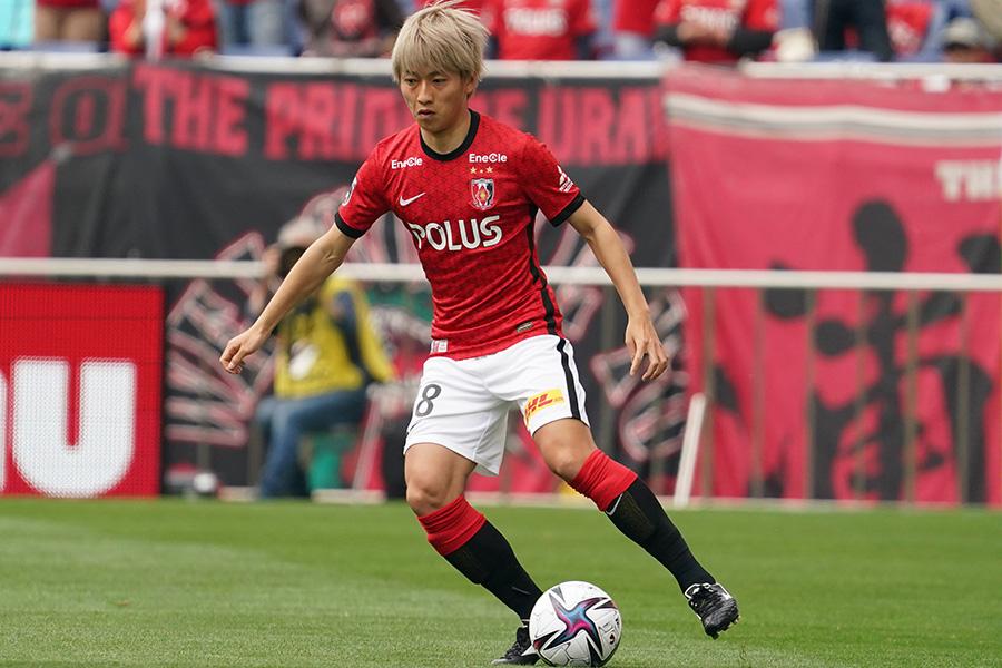 今季から浦和レッズでプレーするMF小泉佳穂【写真:Getty Images】