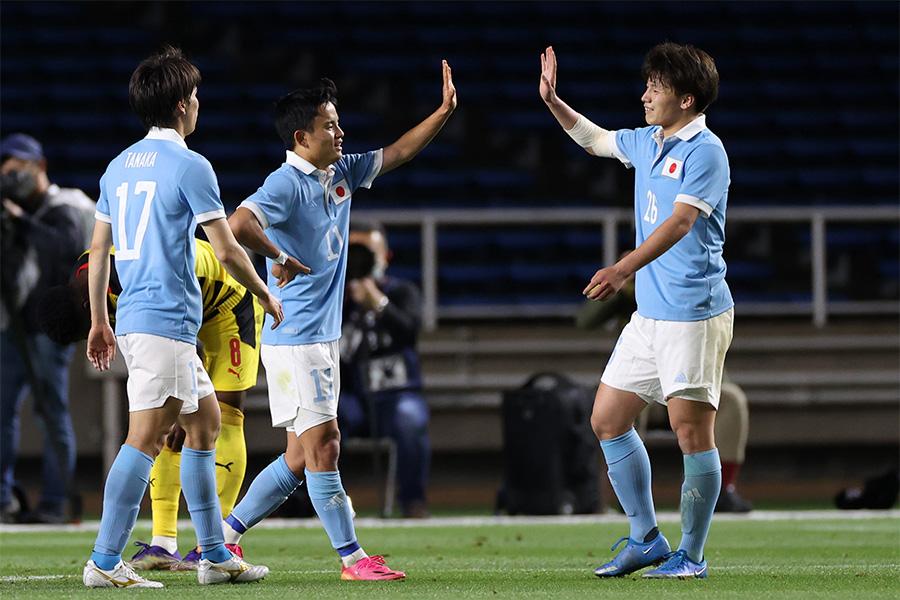 U-24日本代表が3得点を奪い前半を折り返す【写真:Getty Images】