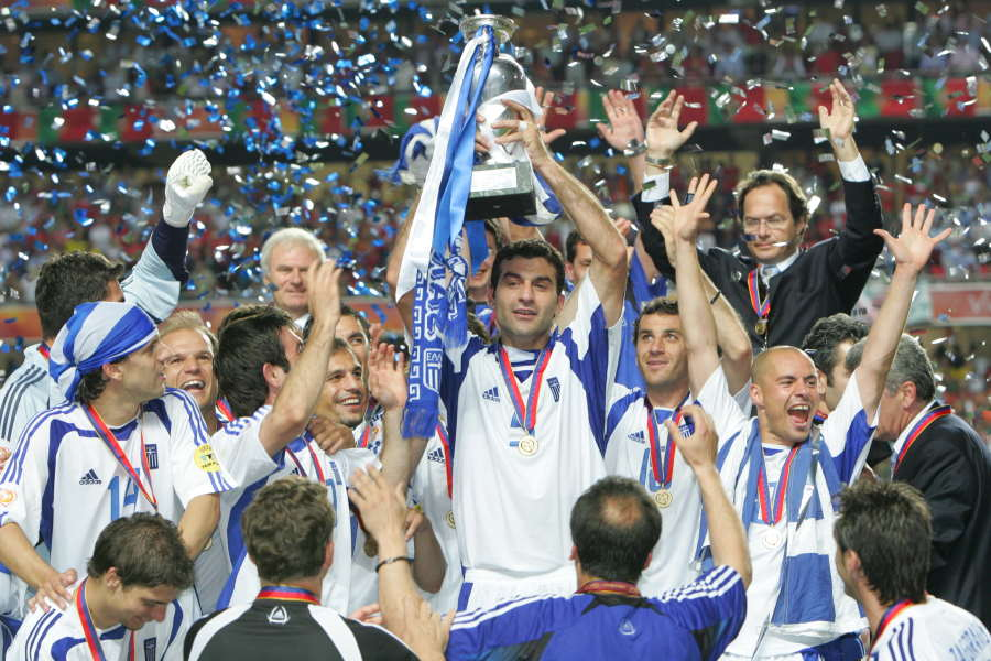 EURO2004を制したギリシャ代表【写真:Getty Images】