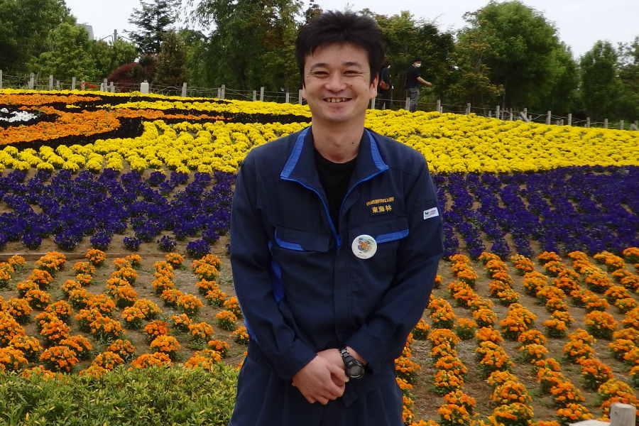 元浦和の東海林彬さん。引退後は東武動物公園に勤務し、現在は庭園管理士として花に携わる【写真:河野正】