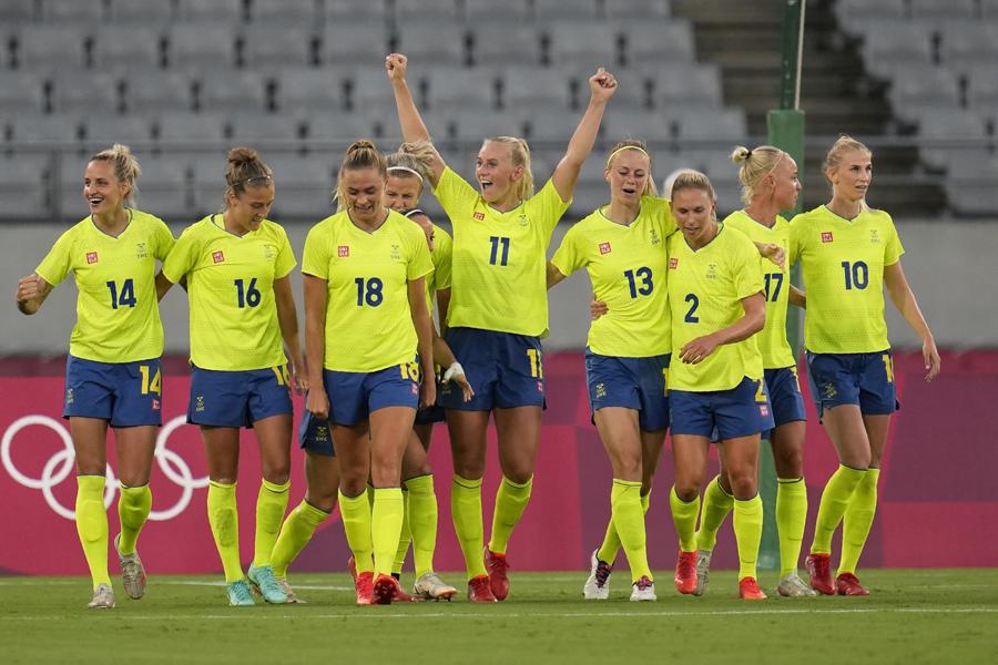 スウェーデンは優勝候補のアメリカ代表に3-0で勝利【写真:AP】