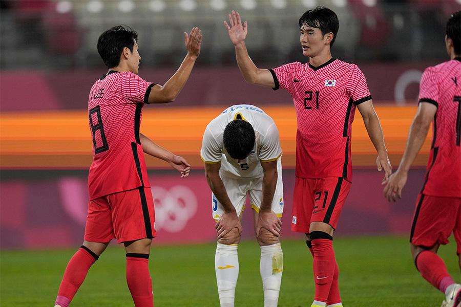 得失点差で韓国代表がグループBの首位に【写真:AP】