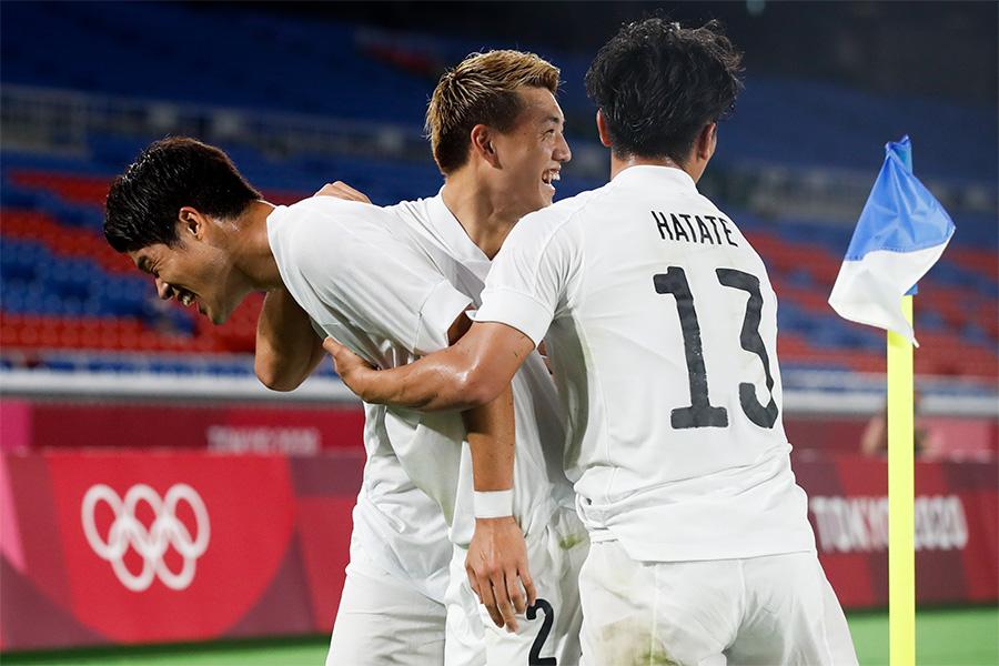 フランス代表相手に4得点で快勝した日本代表【写真:Getty Images】