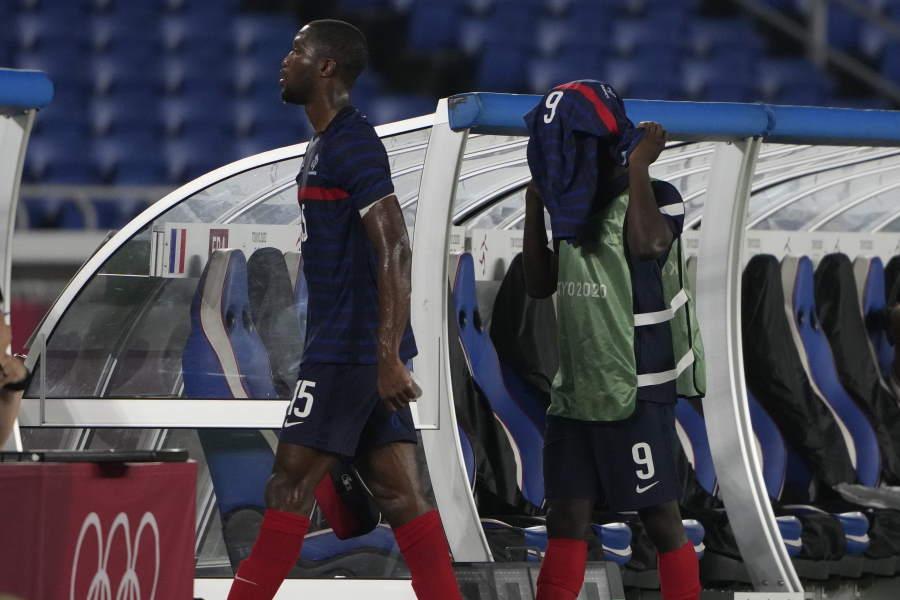 グループリーグ敗退となったフランス【写真:AP】