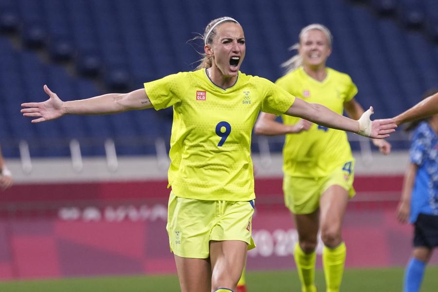 スウェーデン女子代表FWアスラニ【写真:AP】