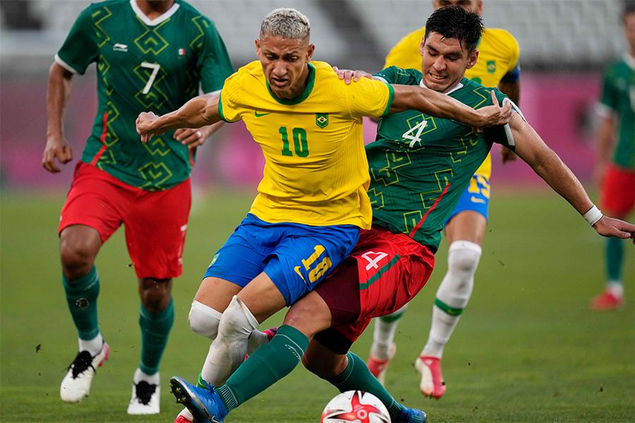 ブラジル代表がメキシコ代表に勝利し、決勝進出!【写真:AP】