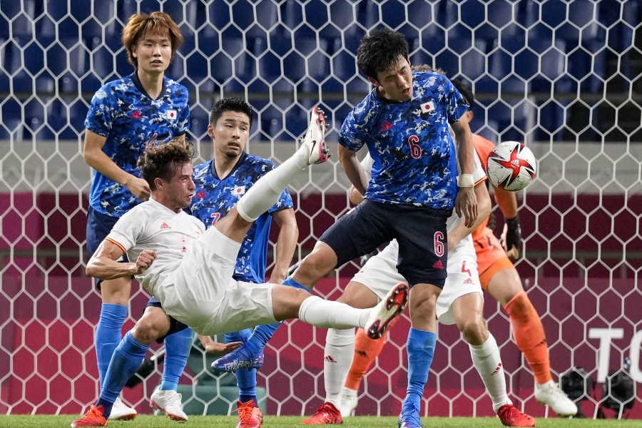 日本代表の守備陣の奮闘を高く評価【写真:AP】