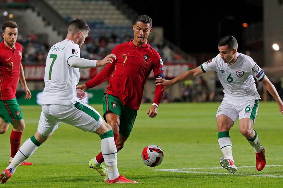 アイルランド戦で2ゴールを決めたFWクリスティアーノ・ロナウド【写真:AP】