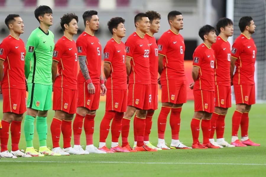 日本と対戦する中国代表【写真:Getty Images】